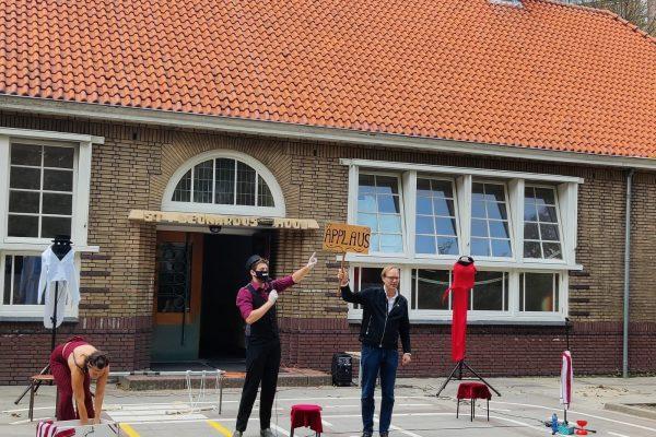 Wethouder Robert van der Kooi bij UnChained - Open Monumentendag Brielle